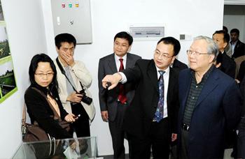 十一届全国人大常委会副委员长、原中国科学院院长路甬祥视察我公司生产基地